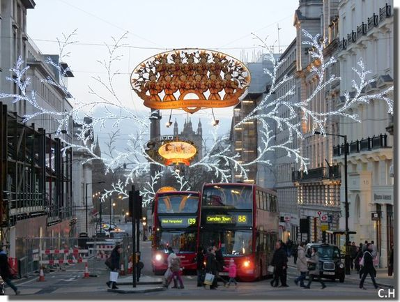 London-Piccadilly-Circus-.jpg
