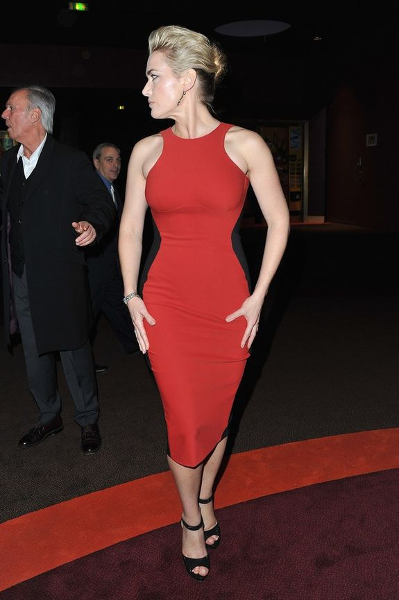 Kate-Winslet-at-the-Paris-premiere-of-Carnage-yesterdayHOT.jpeg