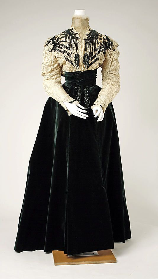 Dress-House-of-Worth-1898.jpg