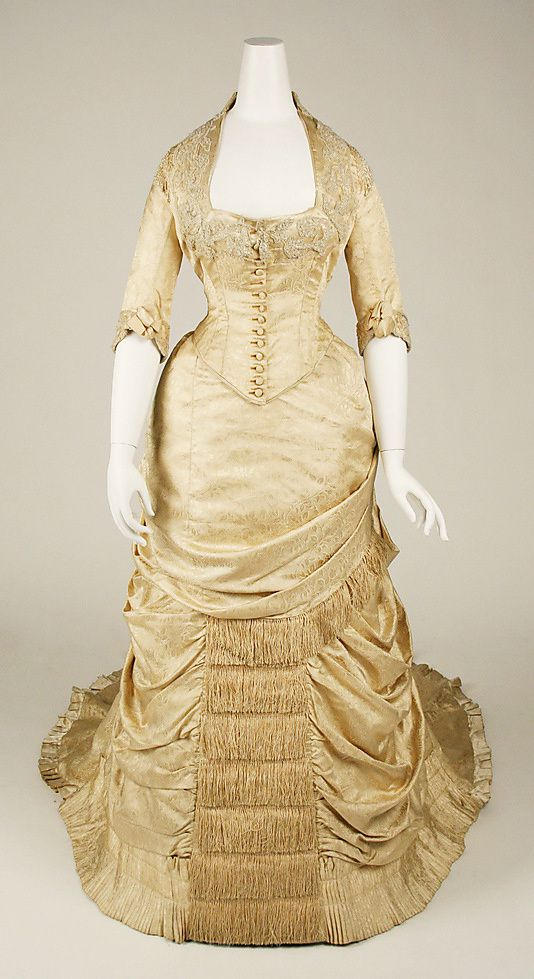 Dress-House-of-Worth-1880.jpg