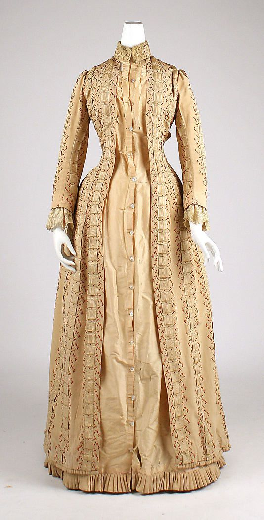 Tea-gown-House-of-Worth-1880.jpg