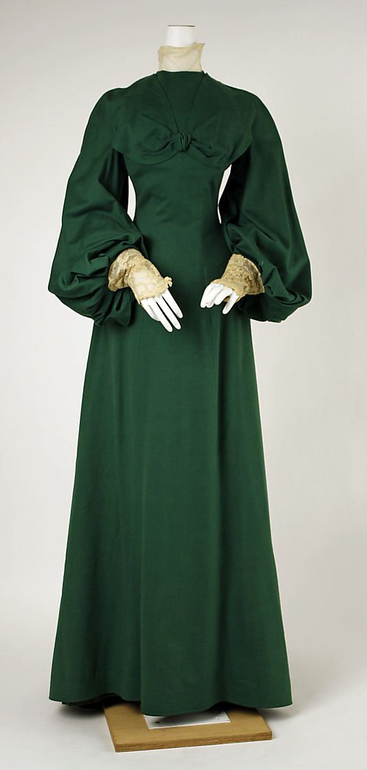 Walking dress House of Worth 1902