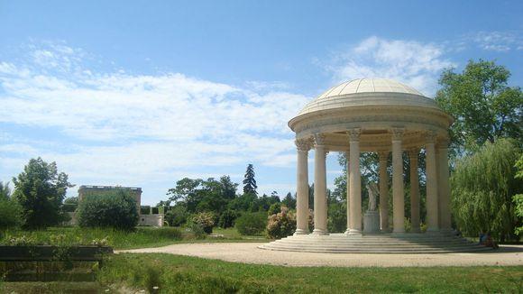 marie antoinette s garden by kurisutaru kisu-d2zw199