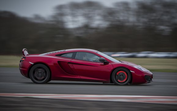 120214_mclaren_automotive_dunsfold_test102.jpg