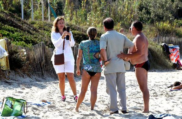 Photo-vacances-francois-hollande-valerie-trierweil-copie-5.jpg