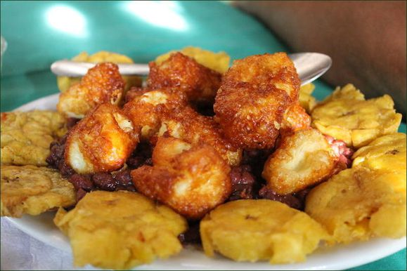 Tostones con queso Nica05.jpg