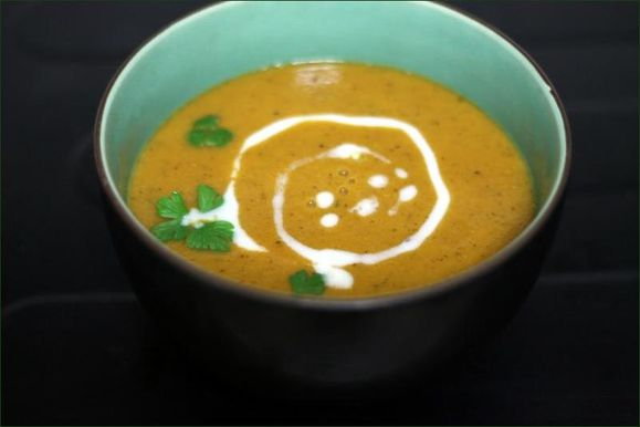 Soupe de lentilles corail, tomate et lait de coco vegecarib1153.jpg