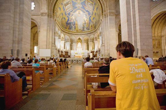A-Montmartre-soixante-heures-de-prieres-pour-le-pape_articl.jpg