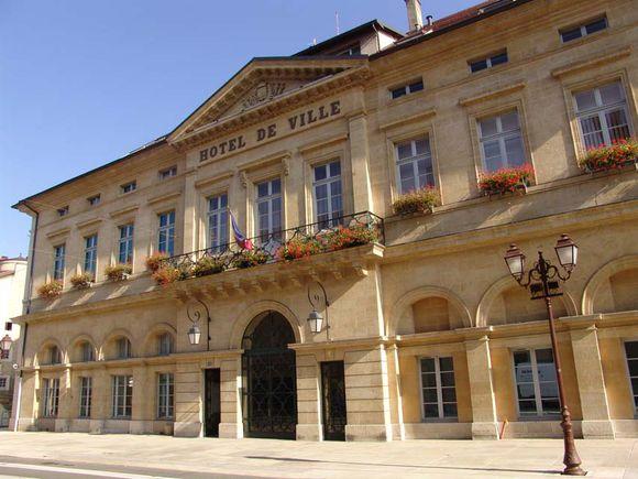 Hotel de Ville PONTARLIER ville-pontarlier.fr