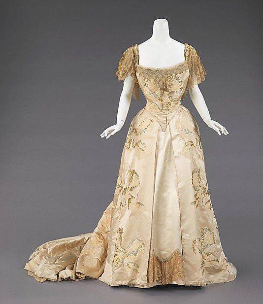 Ball-gown-House-of-Worth-1903.jpg