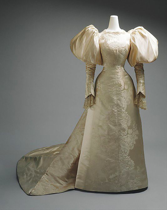 Wedding-dress-House-of-Worth-1896.jpg
