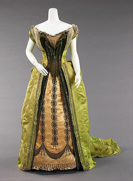 Evening-ensemble---Charles-Frederick-Worth-1887.jpg