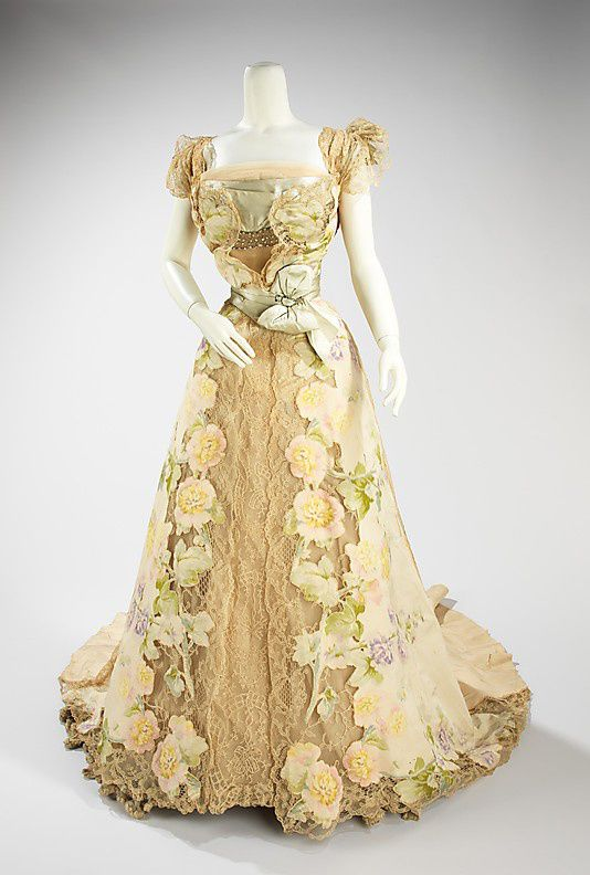 Evening-dress--House-of-Worth-1902.jpg