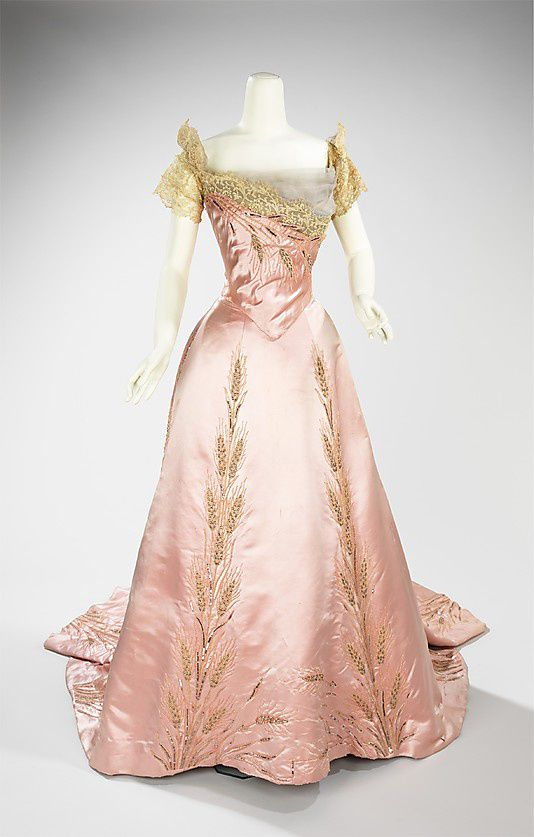 Ball-gown-House-of-Worth-1900.jpg