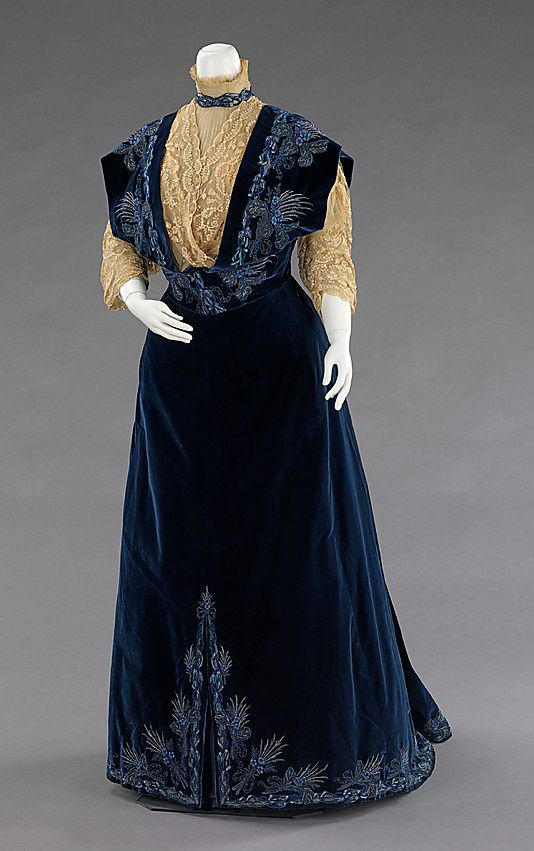 Evening--dress-House-of-Worth-1898.jpg
