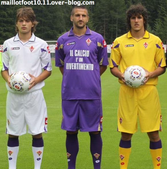Maillot [2010-2011] - Page 6 Fiorentina