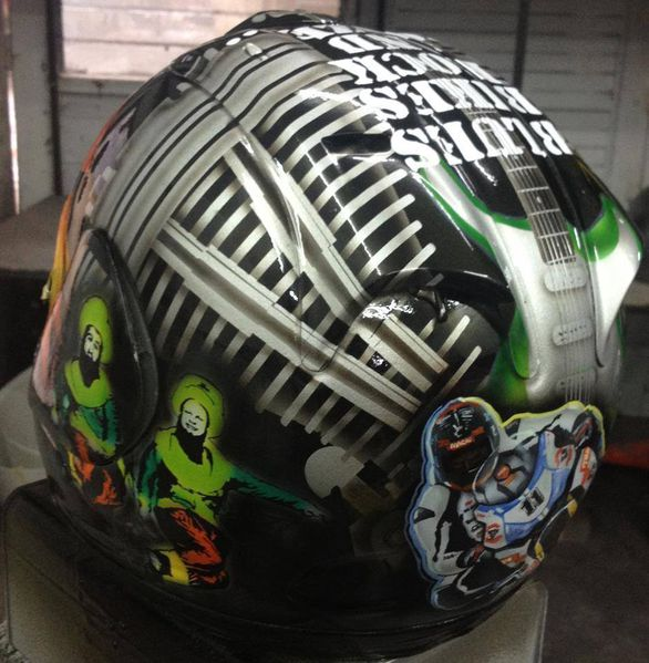 stephen-thomson-helmet-tribute-to-finnegan.jpg