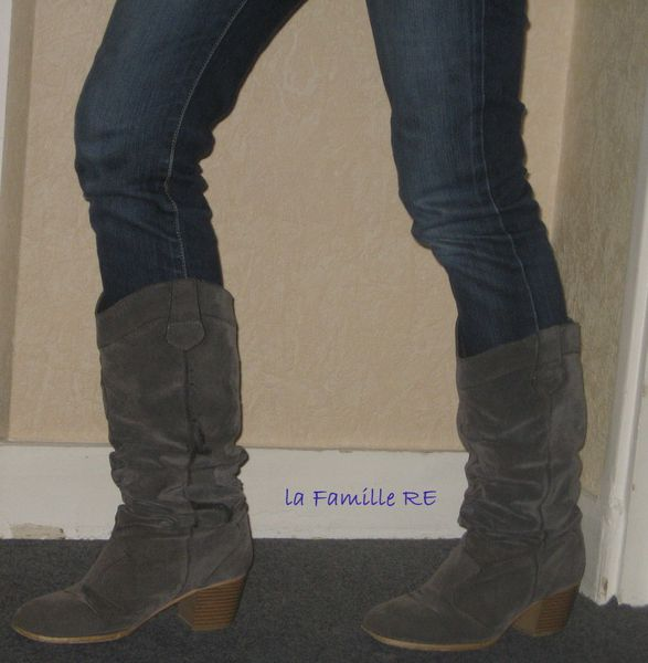 http://img.over-blog.com/587x600/4/13/28/56/bottes/bottes-3323-copie-1.JPG