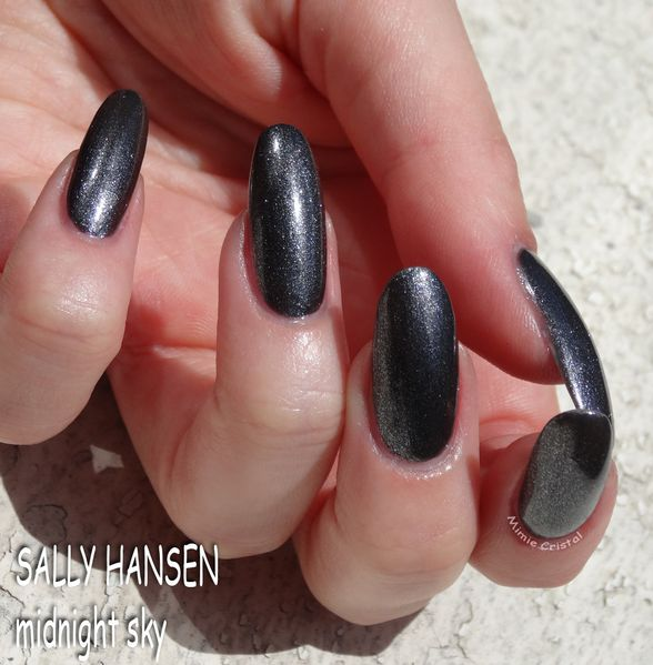 SALLY-HANSEN-midnight-sky-03.jpg