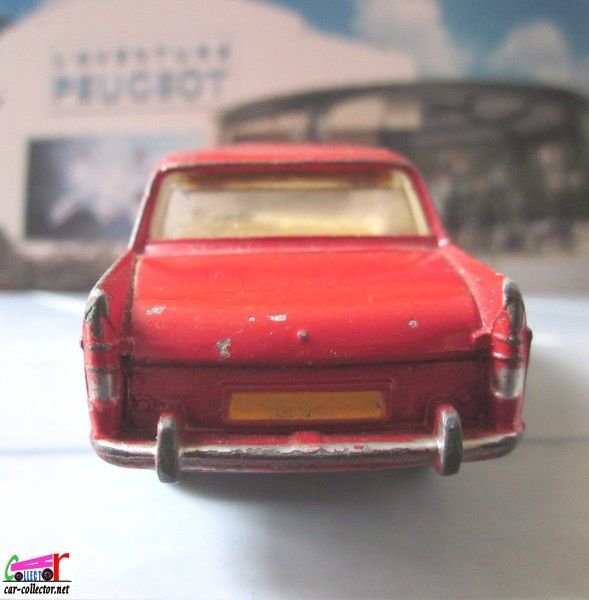 peugeot-404-toit-ouvrant-dinky-toys-meccano-france (3)