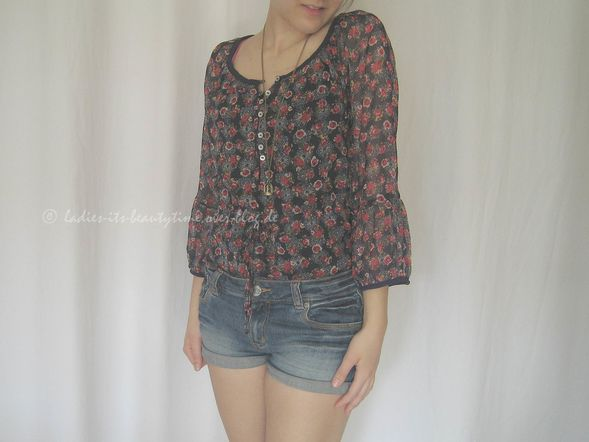 Outfit Blümchenbluse5