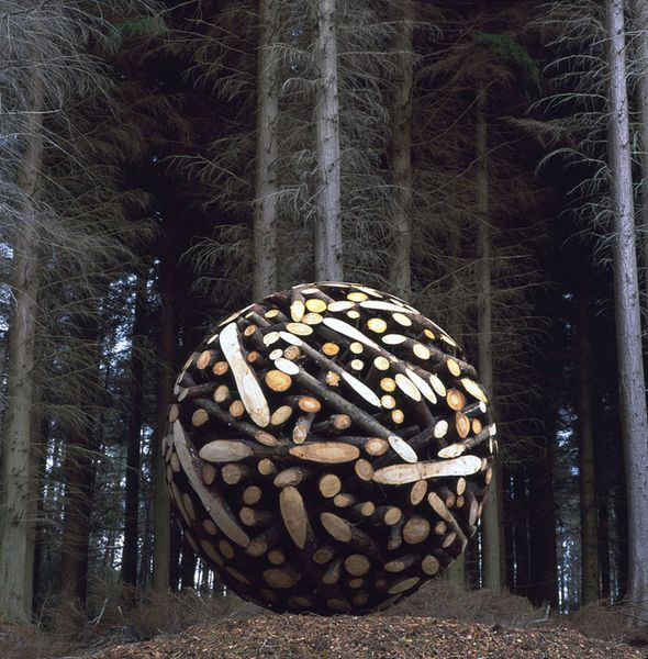 Giant-Wooden-Spheres-by-Lee-Jae-Hyo.jpeg