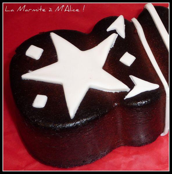 cake-chocolat-pate-a-sucre-detail.jpg