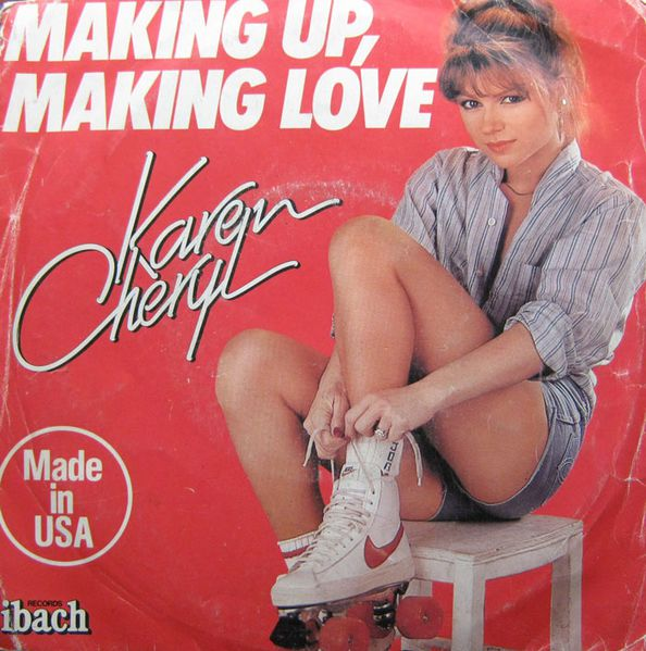 Pop-Hits-45-KCheryl-Makingup-short