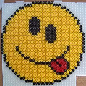Les smileys le plaisir du point de croix - Smiley perle a repasser ...