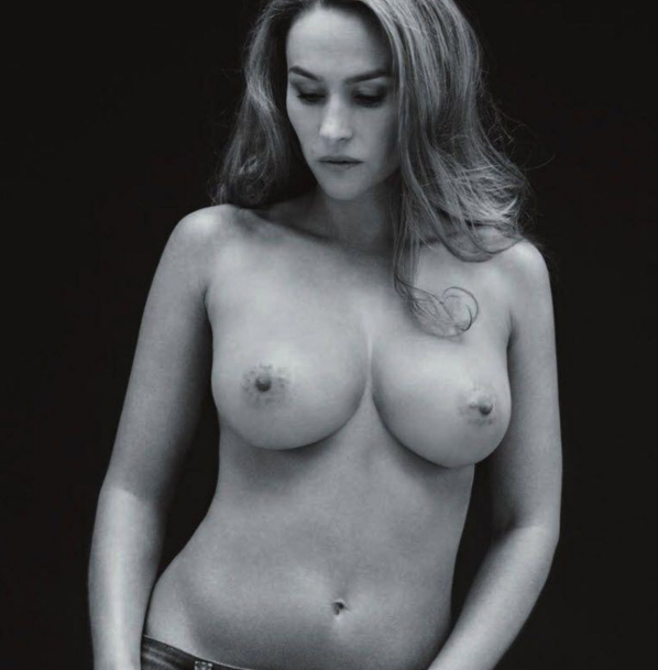 http://img.over-blog.com/598x609/1/56/65/46/1/Vanessa-Demouy-seins-nus-contre-le-cancer.png