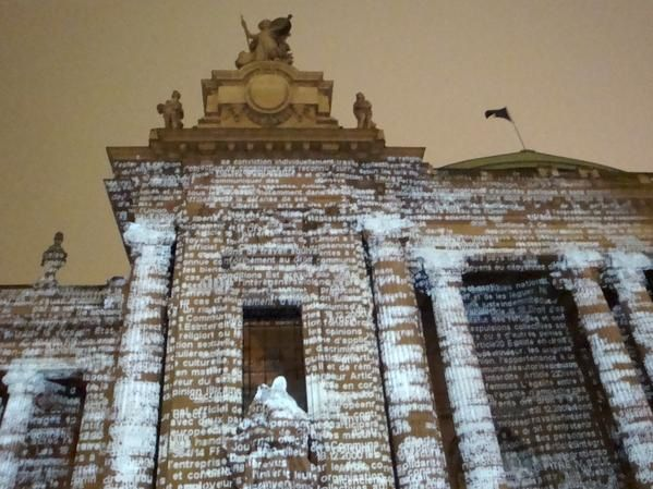 http://img.over-blog.com/599x449/0/41/70/57/ARTS-HIVER-08-09/Grand-Palais-projection-Sandison0372.jpg