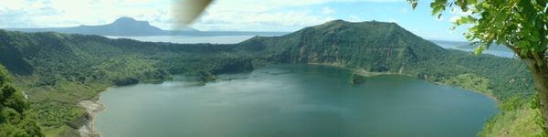 Taal_Crater---Vulcan-point.JPG