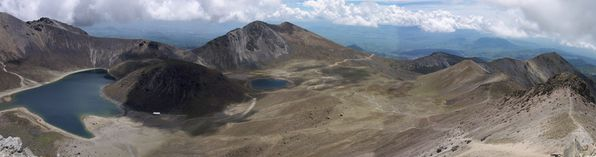 Nevado_de_Toluca_Crater_June_2006-red---christopher-kessler.jpg