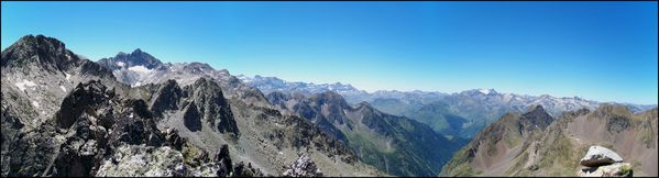 Panorama-Sud-Ouest-depuis-le-pic-Prudent.JPG