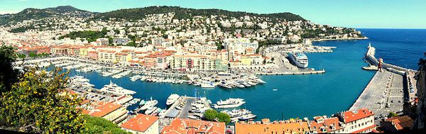 800px-Nice - Le port Lympia
