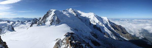 Mont-Blanc-vu-de-l-Aiguille-du-Midi-Wikipedia-source.jpg