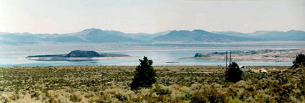 Inyo-lake--s-islands---Jack-Nichols.jpg