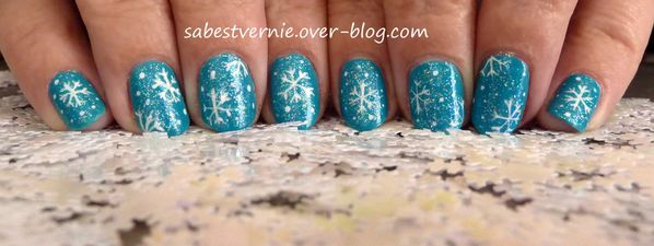 nail-art-flocon-de-neige-snowflake-4.jpg