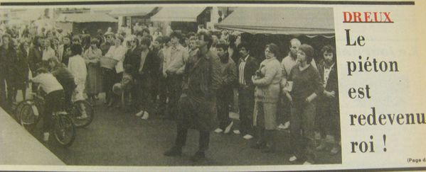 1982-avril gde rue piètonne-marché. 1