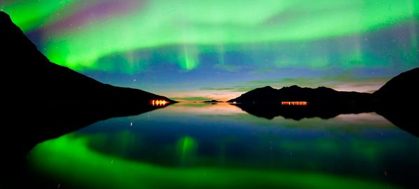 Northern_Lights_Kvalooya_Norway_740.jpg