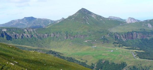 Puy_mary_panoramique.jpg