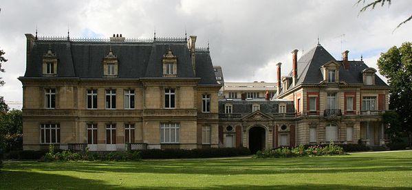 800px-Rennes_-_Parc_Oberthur_-_Demeure_des_Oberthur_-_200.jpg