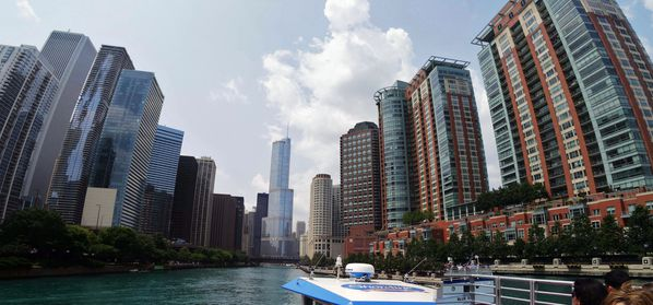 Chicago-River-Water-Taxi-pano-2.jpg