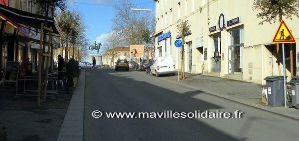 accès rue Joffre à la place napoléon