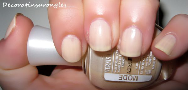 swatch-vernis-miss-europe-beige