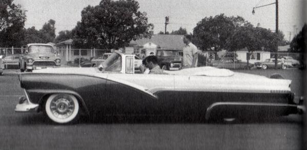 Frank-monteleone_1956-ford5.jpg