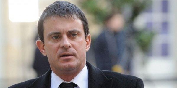 Manuel-Valls-et-les-sans-papiers.jpg