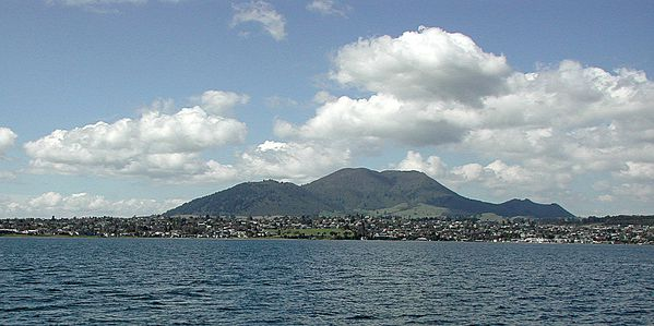 Mount_Tauhara_from_Lake_Taupo.jpg