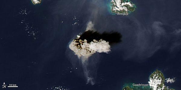 soufriere-hills-11.02.10-Nasa-Modis.jpg