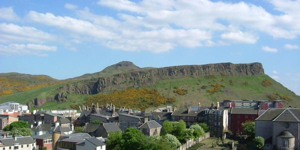 Edinburgh_Salisbury_Crags--photo-Klaus-with-K.jpg